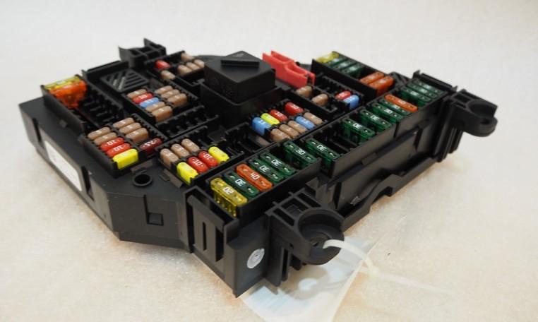 bmw f10 trunk fuse box power distribution junction module. Black Bedroom Furniture Sets. Home Design Ideas