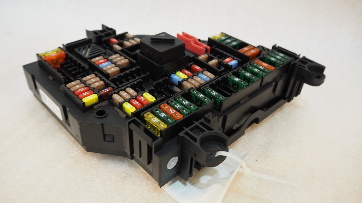 Bmw F10 Trunk Fuse Box Power Distribution Junction Module Propel Rhpropelauto: F10 Fuse Box At Gmaili.net